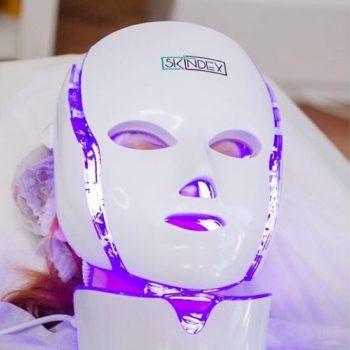 LED-маска после аквапилинга в Краснодаре
